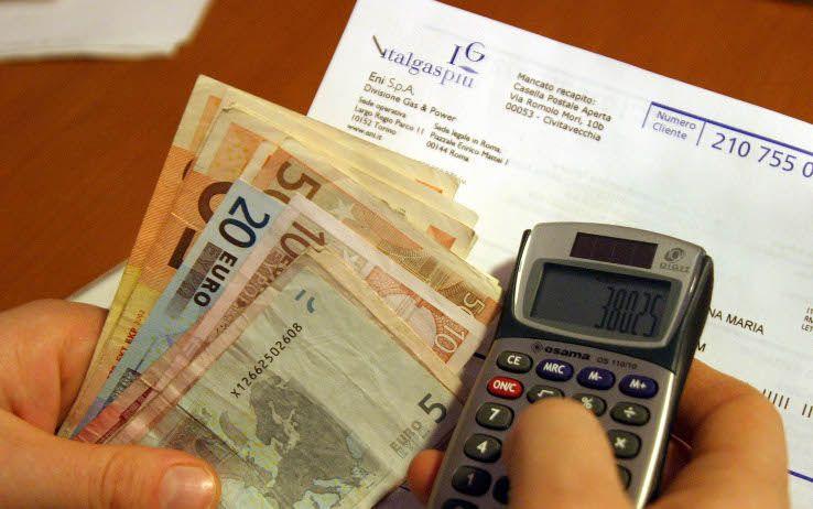 bollette e tasse 1900 euro