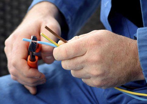 lavoro settore energetico elettricisti operai meccanici