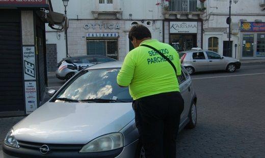 lavoro parcheggiatore