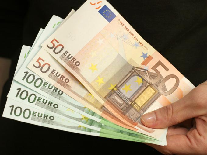 400 euro a famiglia