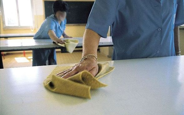 lavoro pulizia scuola