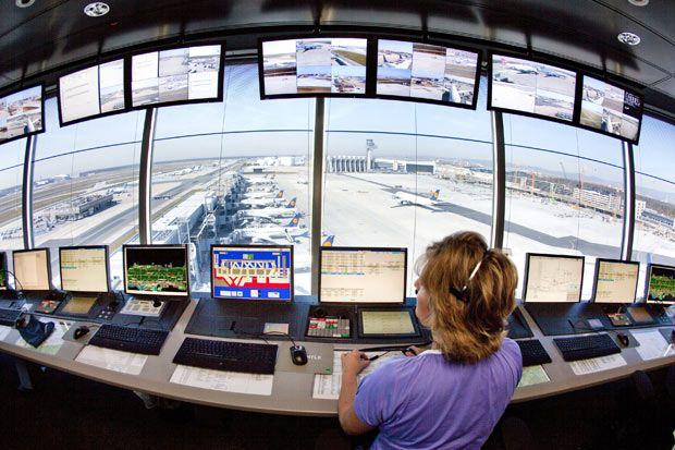 lavoro controllore traffico aereo