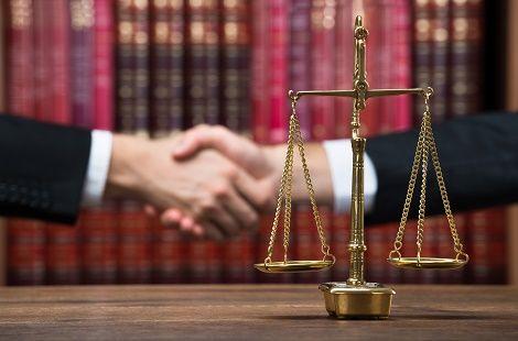 lavoro-cancelliere-tribunale-italiano