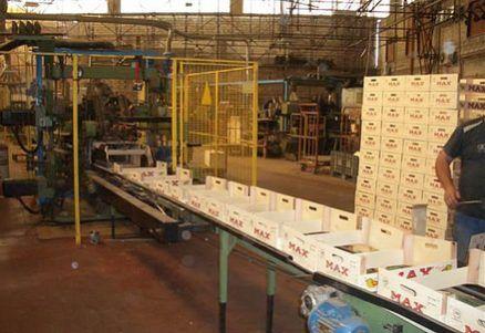 lavoro fabbrica imballaggi
