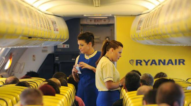 lavoro ryanair assistente di volo