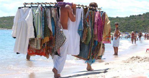 venditori ambulanti spiaggia