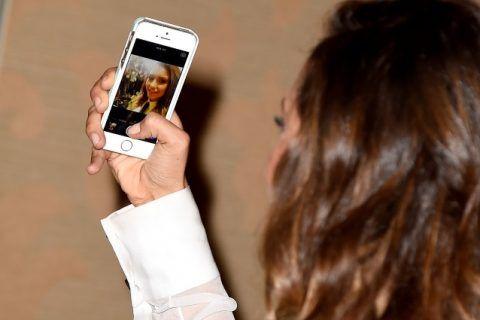 guadagnare soldi facendo selfie e foto