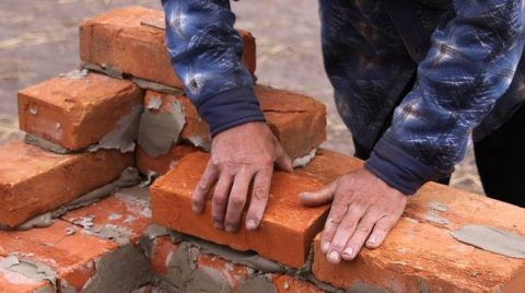 lavoro muratori