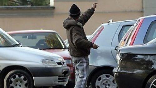 parcheggiatori abusivi arresto